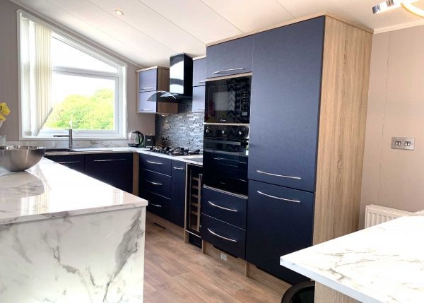 Laburnum Lodge Modern Kitchen Gwalia Falls Retreat Tresaith Beach