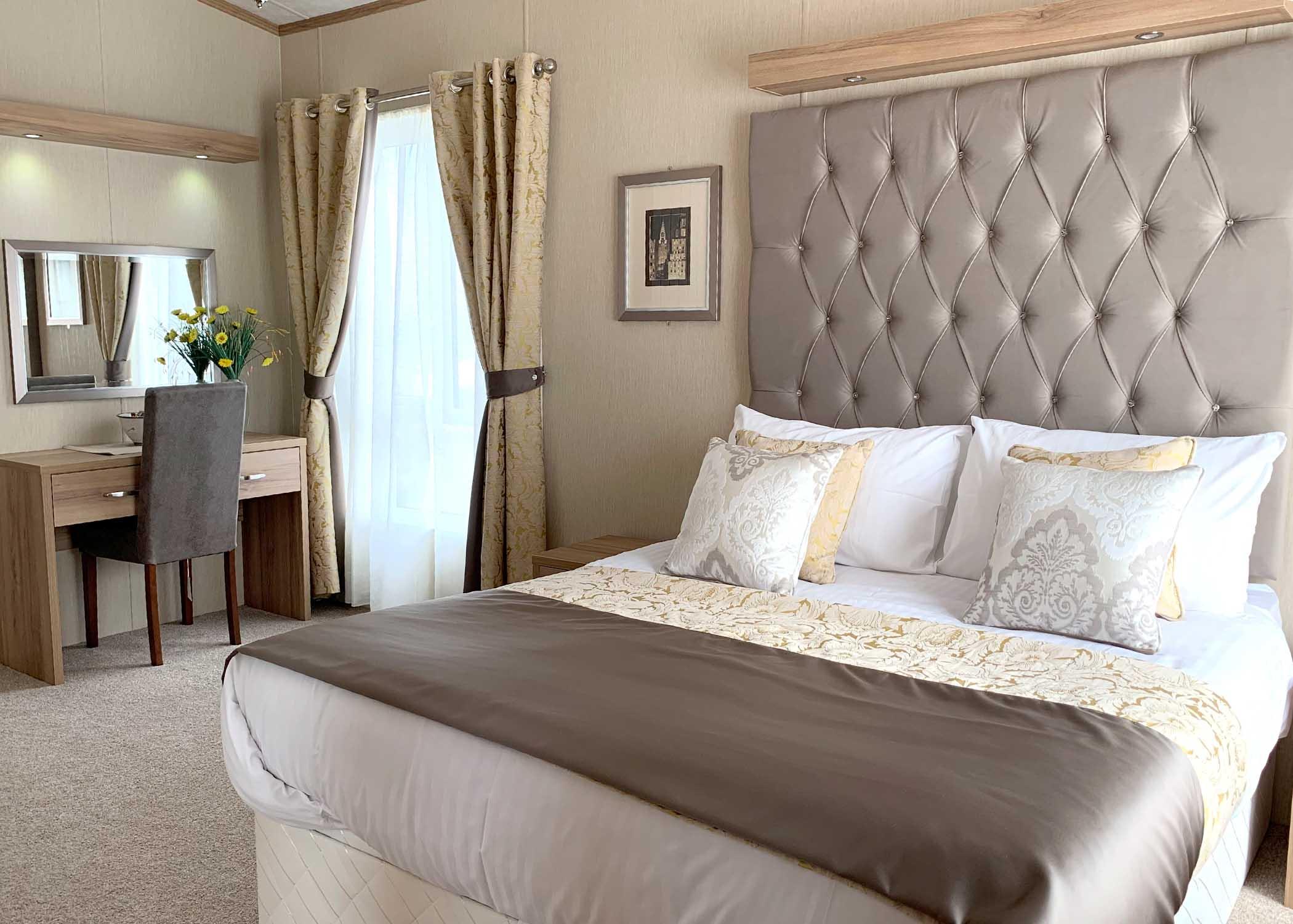 Rivendale Lodge Master bedroom Gwalia Falls Retreat Tresaith Beach
