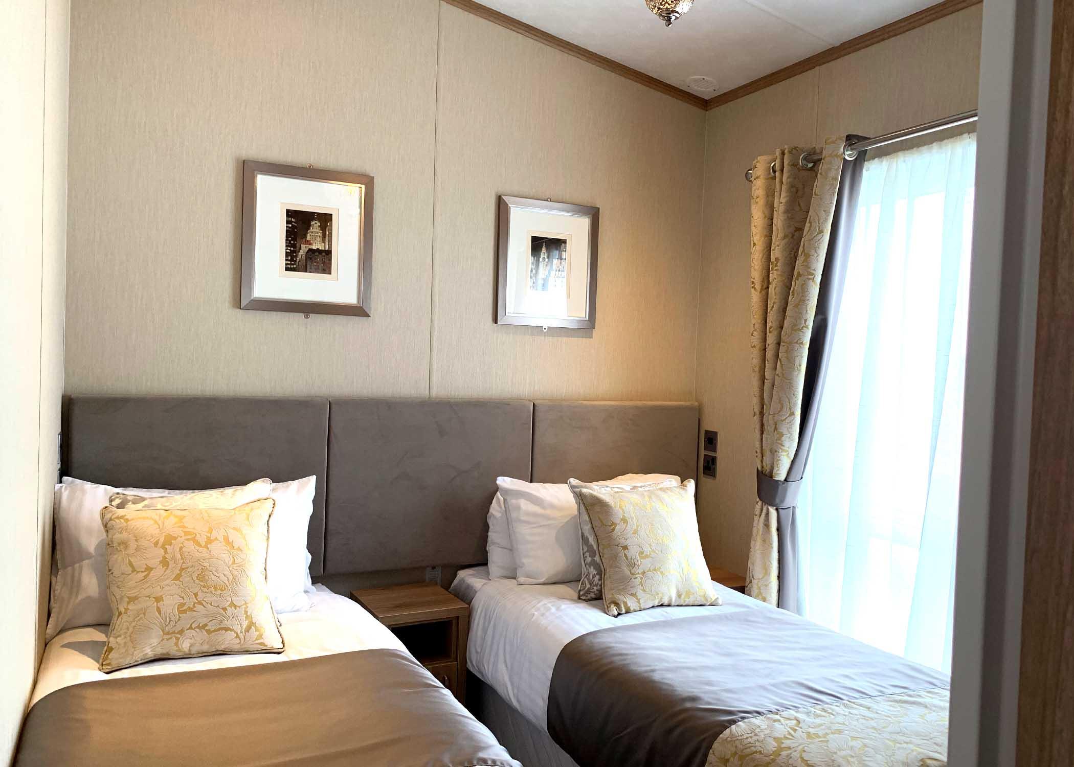 Rivendale Lodge Twin bedroom Gwalia Falls Retreat Tresaith Beach