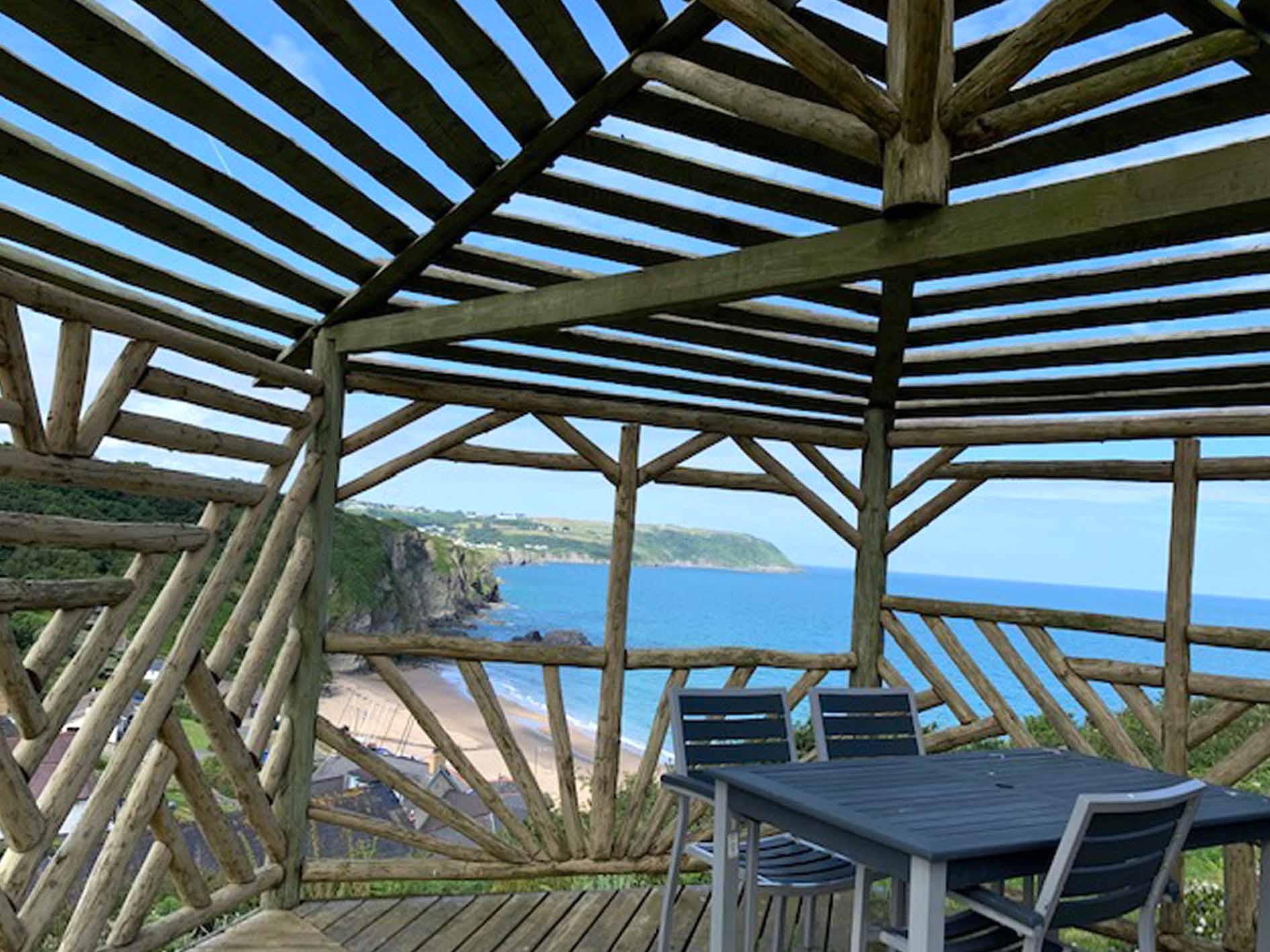 wales holiday accommodation, cardigan bay holiday park, gazeebo