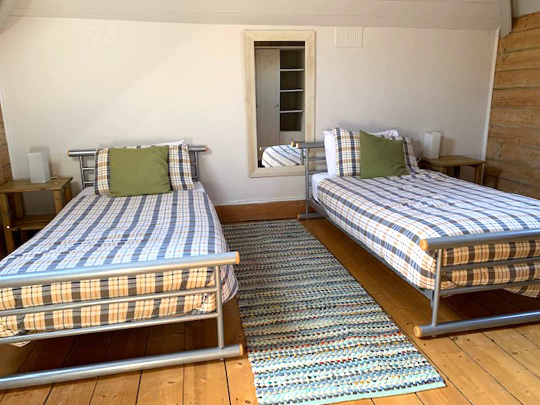cardigan bay holiday, places to stay in tresaith, twin bedroom